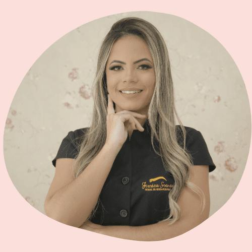 Jéssica Soares, criadora do Curso Sobrancelhas Perfeitas